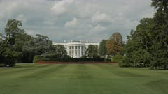 wide view of the south lawn of the white house in washington, dc