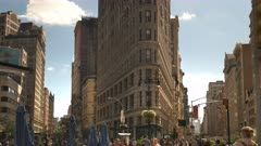 the flatiron building in manhatten, new york