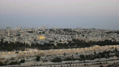 dawn view of the dome of the rock mosque and the temple mount from the mount of olives in jerusalem, israel