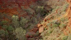 high angle panning right clip of dales gorge in karijini national park of western australia