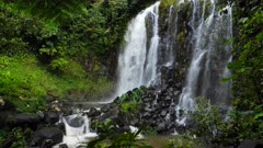 Mungalli Waterfall, upper cascades, slowmotion
