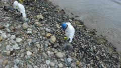 OIL SPILL SANTA BARBARA 2015-OILED ROCKS CLEANUP MS