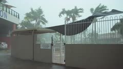 Cyclone Debbie Lashes Resort Town In Northern Australia Strong Wind And Rain