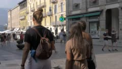 People and Lago di Como souvenir bag, Como, Lake Como, Lombardy, Italian Lakes, Italy, Europe