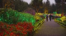 People Enjoy Christmas Light Show In Coos Bay, Oregon