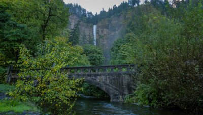 Multnomah Falls in Columbia River Gorge, Oregon