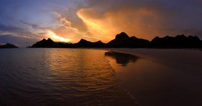 WS Sunset on Pink beach Bay Pantai Merah,,Komodo