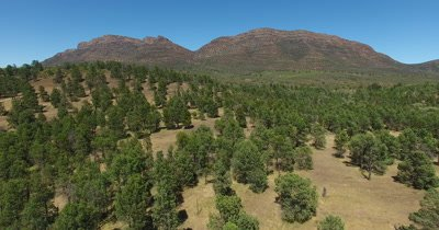 Aerial - South Australia Flinders Ranges Wilpena Pound_4K
