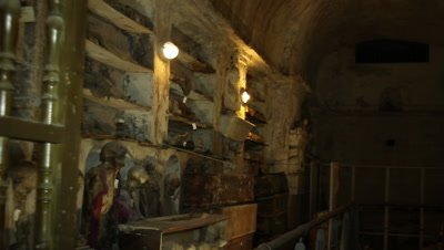 The first corridor found and opened in the capuchin catacomb