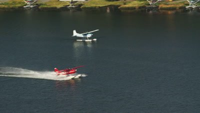 Floatplane Prepares For Takeoff On AHoodLake