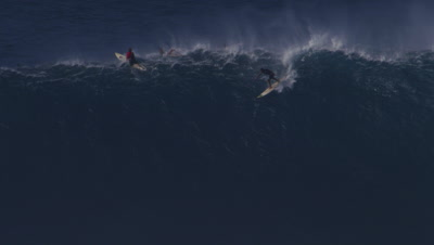 Jaws - big wave surfing HUGE wave wipeout