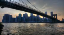 4k Ultrahd The Brooklyn Bridge As Night Falls