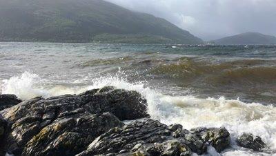 4K UltraHD Waves break in Loch Linhe, Scotland
