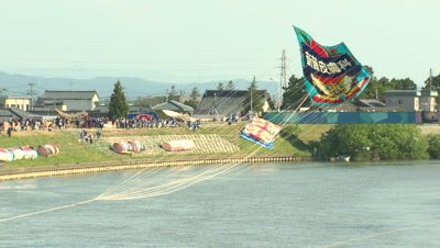 The Battle of the Giant Kites, Shirone, Niigata, Japan