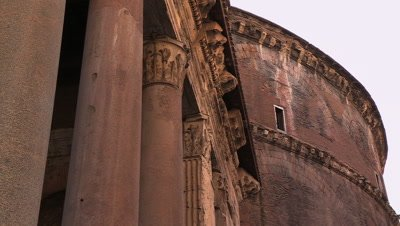 Close up of the line of granite columns and the dome of the Pantheon