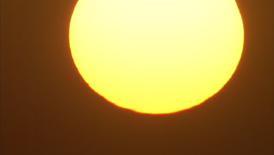 Time Lapse, Huge Sun Sets in Desert