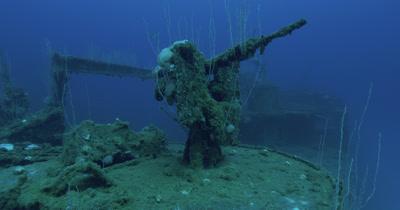 Circling gun on USS Lamson