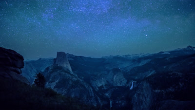 Time Lapse of the Half Dome at Yosemite National Park from Glacier Point at night and sunrise