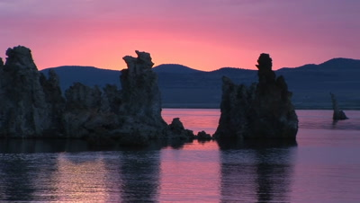Tufa Formations At Mono Lake, California (Made Of Limestone)