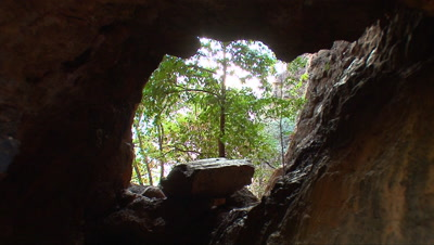 Nourlangie Rock base 7 zoom,cave,Kakadu,Top End