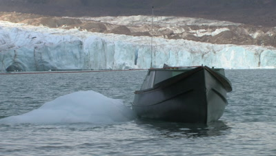 Freighter Canoe, Ice And Glacier, Coronation Fiord, Auyuittuq National Park, Baffin Island