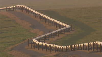 Alaska Pipeline Zigzags Across The Arctic Tundra Under Evening Light National Monument Arctic National Wildlife Refuge Anwr 50th Anniversary