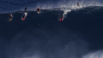 Jaws - big wave surfing-wipeout