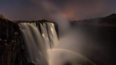 Wide angle shot, double moonbow rise, main falls cataract island